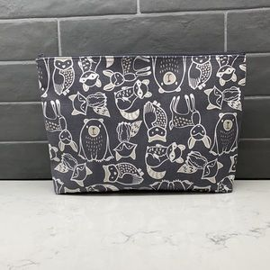 Thirty One Zipper Pouch with Waterproof Lining